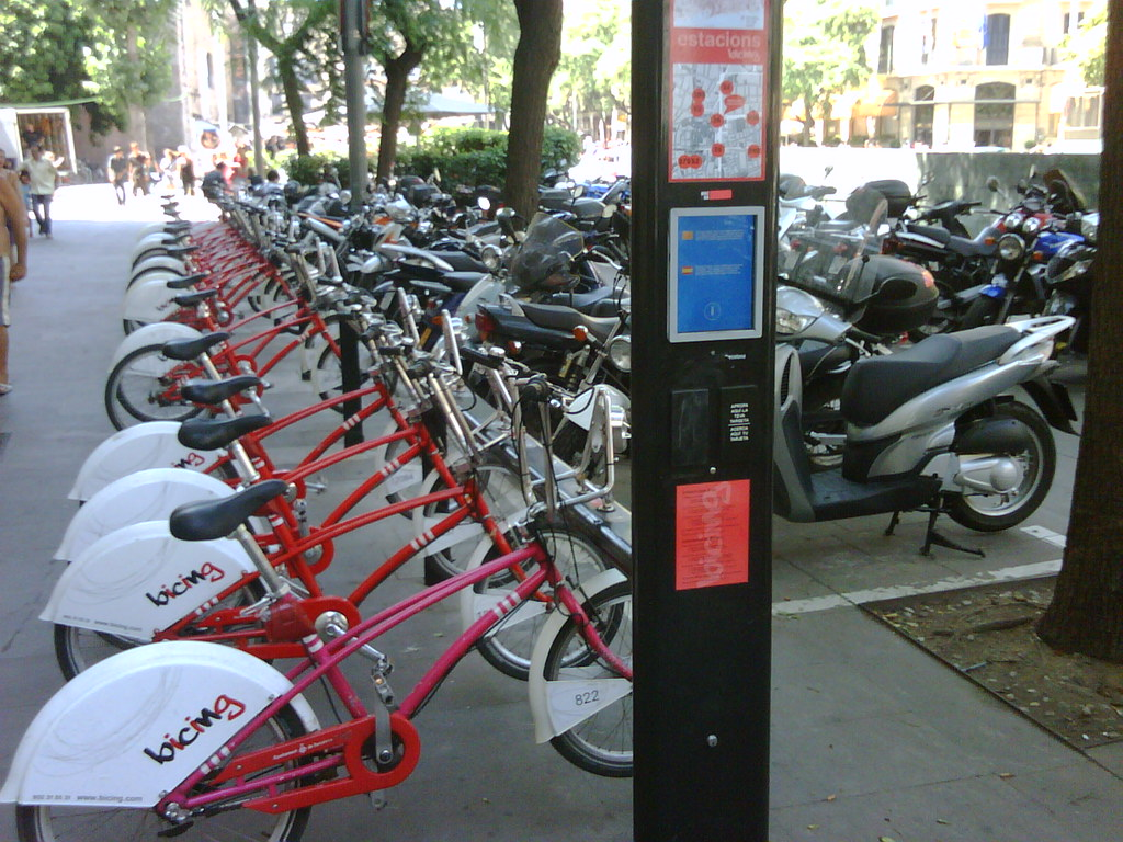 More on bicing - the Barcelona community bike scheme: picture of the card-reader