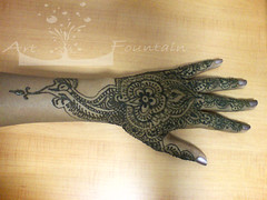 Henna- funny bird (Art Fountain) Tags: floral hands indian drawings peacock designs bridal henna mehndi mehendhi indiandrawing decoratedhands bridalhanna
