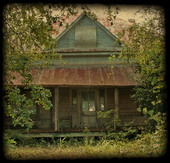 Cracker House (Black.Doll) Tags: abandoned rural florida country tinroof crackerhouse jacksoncounty textur fakettv angeliqueliek oncewashome