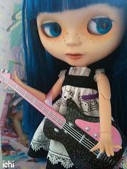 ichiko plays guitar (again)