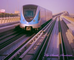 METRO SYSTEM, DRIVERLESS RIDE  IN DUBAI (Sunciti _ Sundaram's Images + Messages) Tags: dubai metro transportation skytrain soe sow bombardier smorgasbord blueribbonwinner otw hongkongphotos distellery enstantane platinumphoto anawesomeshot colorphotoaward aplusphoto flickraward eperke brillianteyejewel concordians goldstaraward flickrestrellas brilliantphotography rubyphotographer overtheshot mallimixstaraward elitephotgraphy flickrmasterpieces veryimportantphotos winklerians