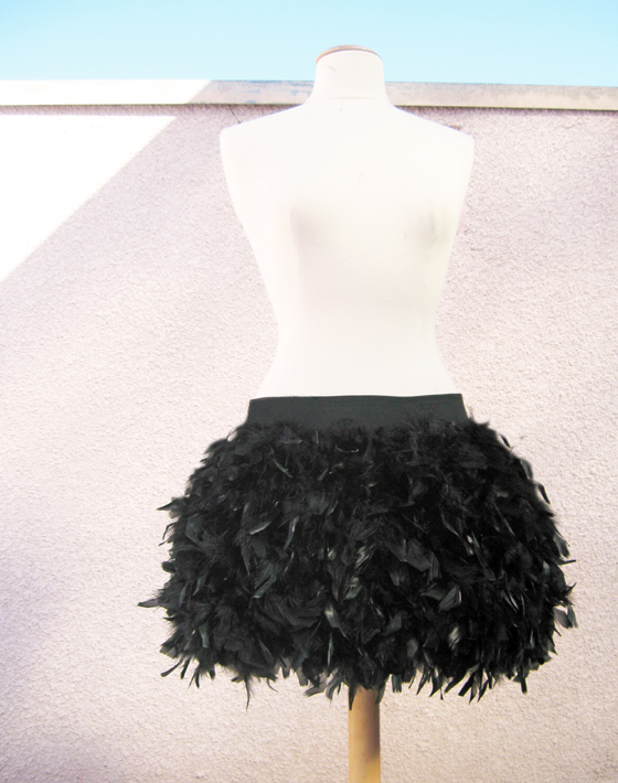 Feather-Skirt-DIY