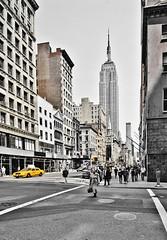 (p.bieniek) Tags: empire state new york street life nikon city nyc manhattan usa america united states iamdifferent d7000 outdoor landstrase einfarbig architektur roadtrip buidling river east landscape wasser stadt vereinigte staaten von amerika