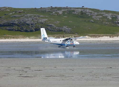 Touchdown at Barra Airport by elaineh601.
