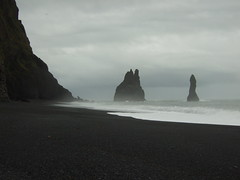 Black sand beach at Vik, Iceland (Thin Glass (Tweet @humanpilot)) Tags: sea storm iceland surf vik blacksandbeach