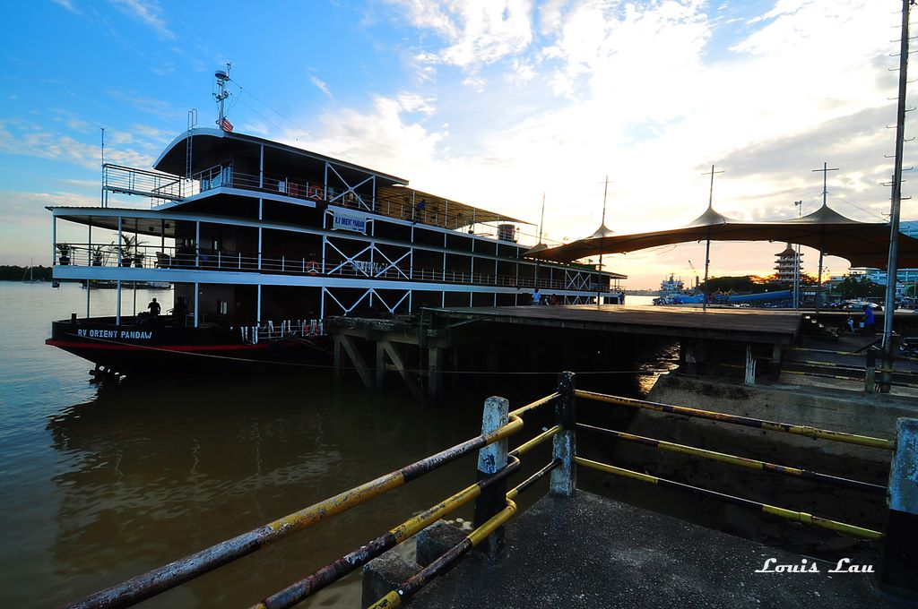Luxury River Cruises in Borneo