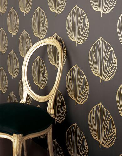 Modern wallpaper: Bold black & gold leaves + medallion print