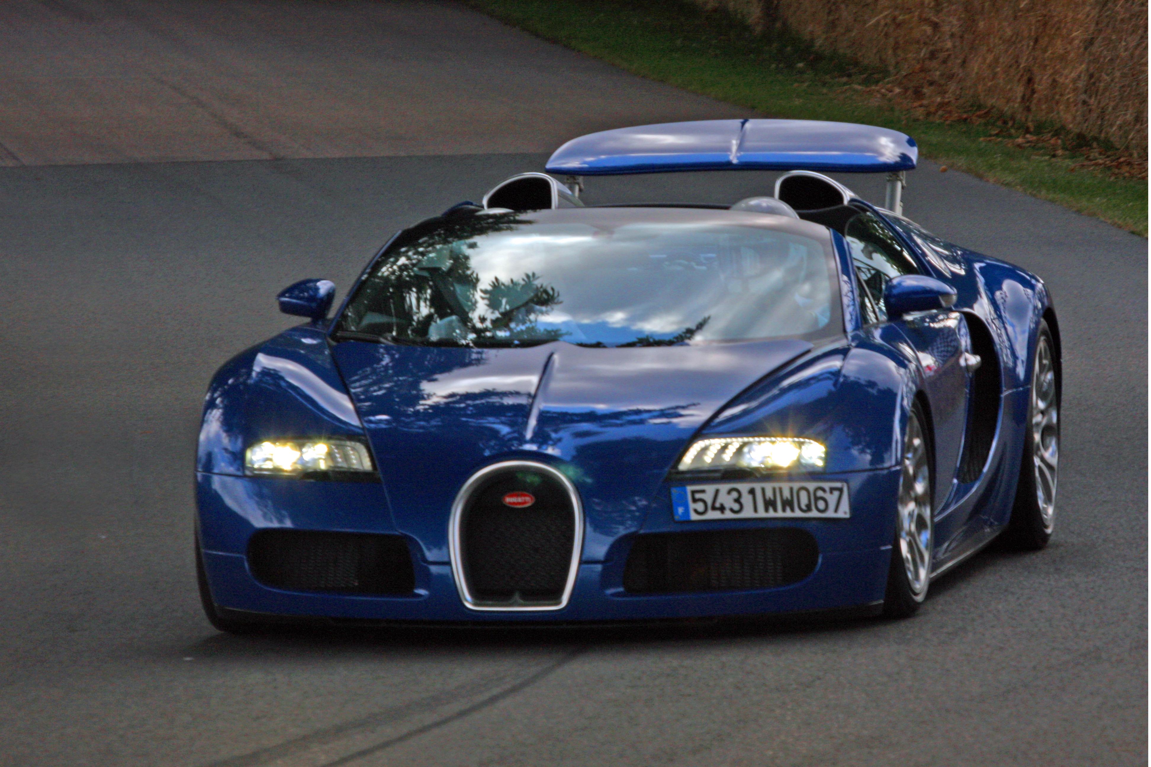 フリー画像 自動車 スポーツカー スーパーカー ブガッティ Bugatti ブガッティ