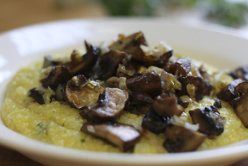 Garlic Polenta with Mushrooms