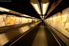 Souterrain de Paris (DulichVietnam360) Tags: paris france underground french mtro roulant explore paristapis dulichvietnam360 nghmmtroparis