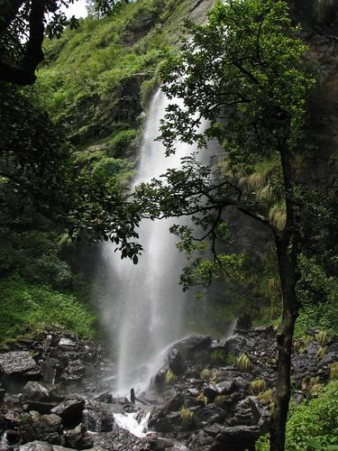 Kalhatti_Falls_Breathtaking