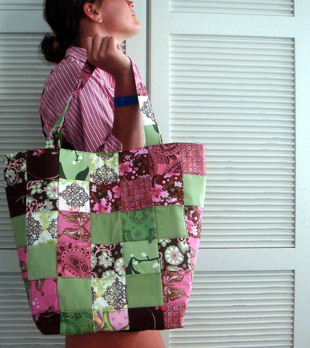 large quilted bag, side 3
