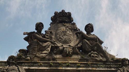 Escudo Facultad de Geografía e Historia Santiago por Amio Cajander..