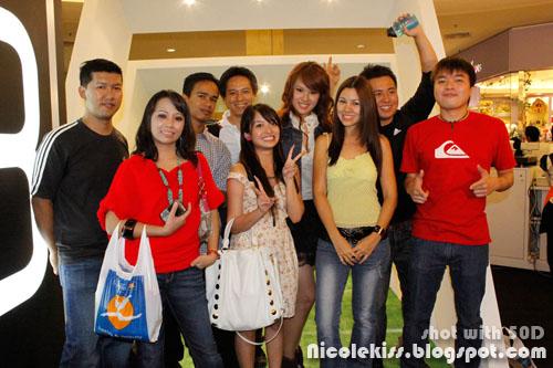 group photo with jojo