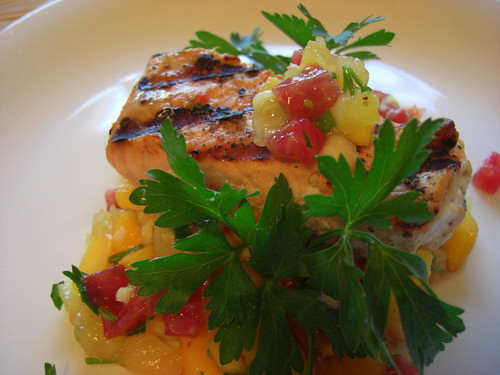 Grilled salmon with salsa