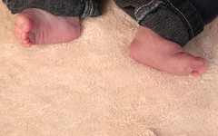 Pieds de bb / Baby Feet (meantux) Tags: desktop wallpaper 800x600 psp background widescreen highdefinition 169 fond desktopwallpaper 1920x1200 cran 1610 1440x900 1024x768 1280x768 1280x1024 fonddcran 1680x1050 480x272 1280x800 1280x720 1920x1080 fullhd 1024x600 hdwallpaper 800x480 fullhdwallpaper hddesktopbackground