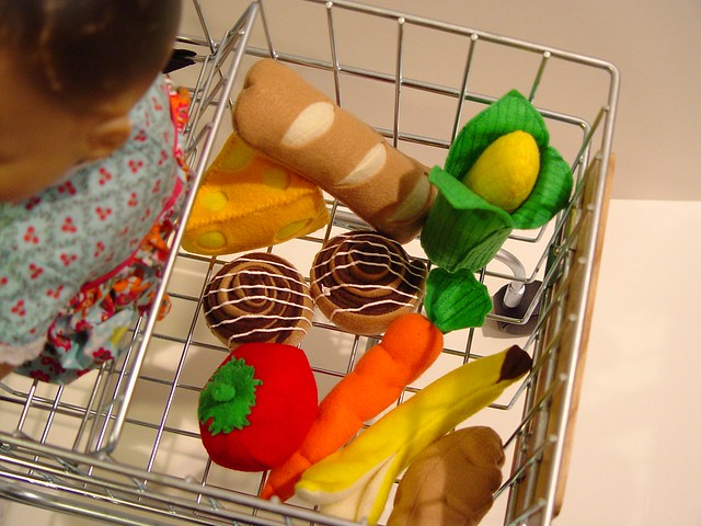 play food, shopping
