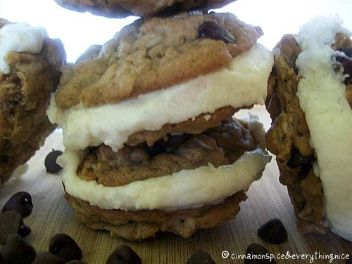 Amish Oatmeal Chocolate Chip Whoopie Pies | Cinnamon-Spice ...