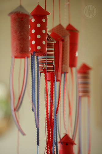 Make your own Fourth of July Confetti Popper Rockets!