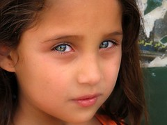 iran maggio 2009 (anton.it) Tags: trip portrait people children eyes faces iran digitale persia shiraz iranian 1001nights ritratti viaggio volti anotherblackpearl iranianspeople iraniansfaces theauthorsplaza antonit 1001nightsmagiccity