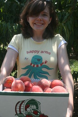 july09 168 (michelle wuz here) Tags: peaches poolesville peachpicking july09