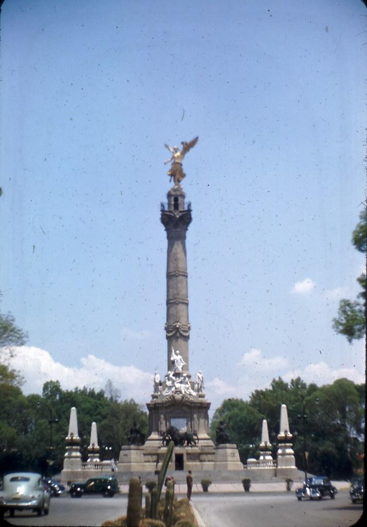 El Paseo de la Reforma y Chapultepec 3783479788_5e4287b5d0_b