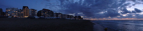 Zeedijk Knokke (panoramic sweep)