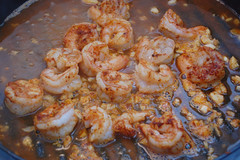 cooking shrimp in beer and garlic