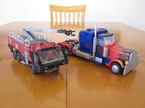 transformers dark of the moon sentinel prime and optimus prime. Sentinel Prime and Optimus