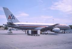 229ab - American Airlines Boeing 757-223; N606AA@SXM;24.04.2003 (Aero Icarus) Tags: slidescan plane avion aircraft flugzeug princessjulianainternationalairport saintmartin