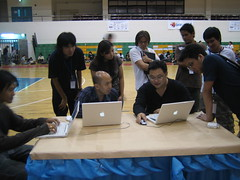 CMS Showdown in BarCamp Bangkok 3: WordPress team by phisite