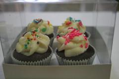LEMBRANA DE MATERNIDADE (Confetti & Cupcakes) Tags: cupcakes casamento festas lindos drika coloridos aniversrios bolinhos novaes gostosos