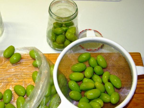 green olives 02