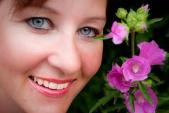 Flower portrait (Hkan Dahlstrm) Tags: pink people rose marie sweden schweden rosa sverige helsingborg roze sude svezia ramlsa skanelan