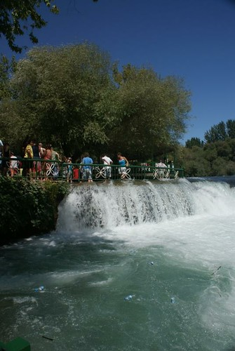 manavgat waterfall watching area