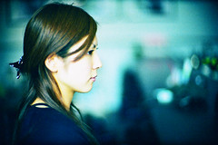 looker (moaan) Tags: leica blue portrait woman color lady 50mm cafe afternoon dof bokeh profile tint f10 kobe utata noctilux noon hue 2009 leicam7 m7 kodak400uc leicanoctilux50mmf10 gettyimagesjapanq1 gettyimagesjapanq2