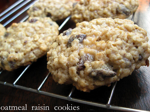 3942323798 2f85cd9e90 Oatmeal Raisin Cookies