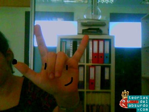 Cobi, la mascota de las olimpiadas de barcelona 92, es una mano