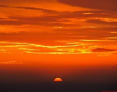 Coucher de soleil sur la mer  Cassis (Pantchoa) Tags: sunset orange mer france jaune canon rouge cte ctedazur ciel provence paysage falaise cassis coucherdesoleil mditerrane bouchesdurhne littoral orang provenal soleilrouge cielrouge sudest capcanaille soleilorange cielorange cieljaune powershotsx200is