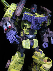 Devastator 9 (Peaugh Edition) (frenzy_rumble) Tags: transformer hook custom commission scavenger mixmaster decepticon scrapper kitbash bonecrusher constructicon frenzyrumble frenzyrumblecom customdevastator peaugh