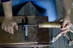 enrolar e juntar (Alice Bernardo) Tags: portugal handmade silk making seda artisanal fazer produzida freixodeespadacinta saberfazer rodoleiro cubilho