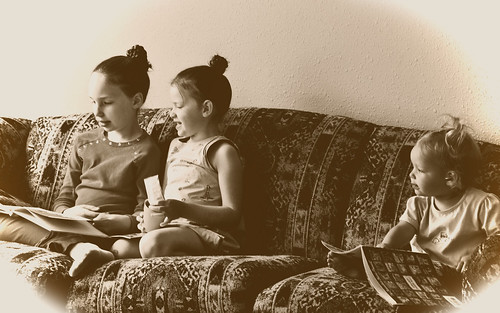 3_girls_reading_sepia