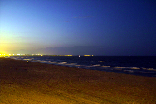 night-beach-valencia