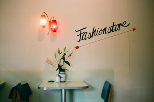 fashionstore2