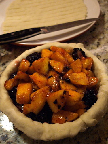 mound of peaches and blackberries