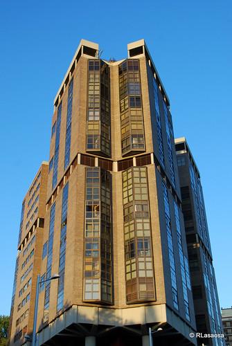 Vista de una de las fachadas el Edificio Singular, en la Avenida de Pío XII