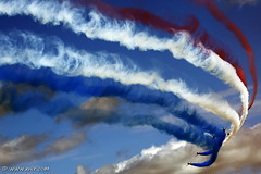 The Red Arrows RIAT 2009 (xnir) Tags: red england canon photography eos israel is team photographer force britain hawk aircraft aviation air united royal kingdom airshow arrows bae raf aerobatic aerobatics nir the  100400l benyosef 100400 t1a xnir flickrdiamond  photoxnirgmailcom