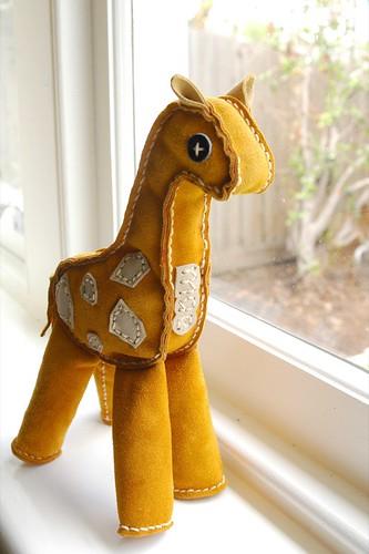mae's giraffe
