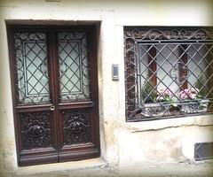 Inviting Asolo Doors (Catcher In My Eye) Tags: italy entrances veneto