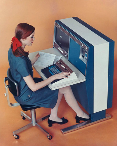 vintage computing '67 / retro-space